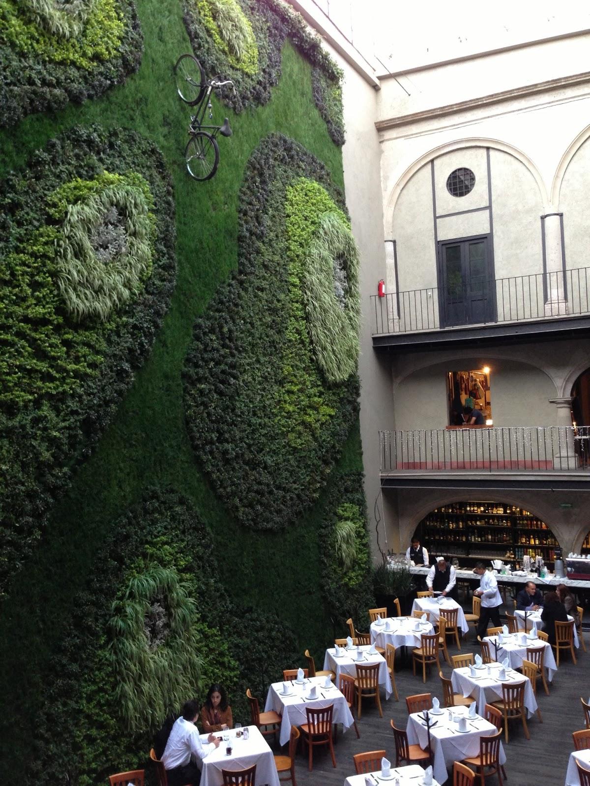 El trazo semanal downtown ciudad de m xico otro hotel for Muros verdes en mexico