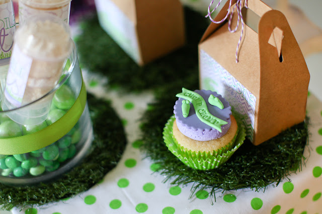 Crocodile birthday party by PBD featured on The Party Teacher - cupcake to-go box