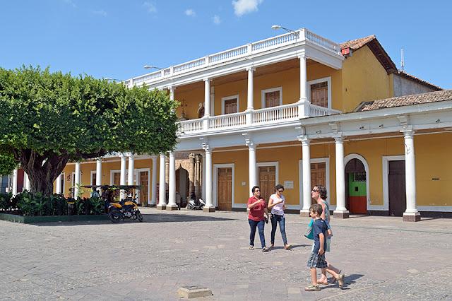 Place de l'Indépendance à Granada