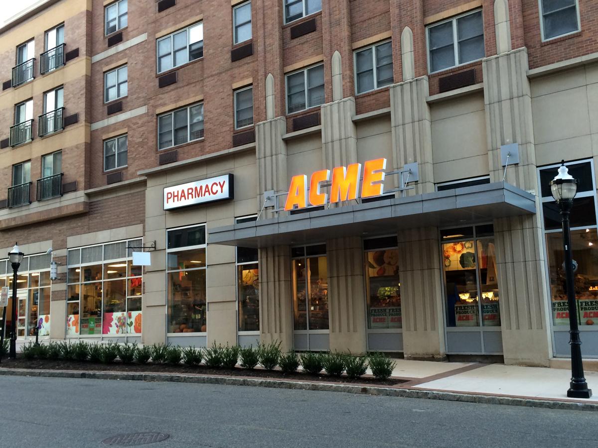 Riverwalk Place West Newyork Nj Restaurants