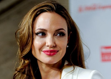 Angelina Jolie Praised for Bravery in Mastectomy Revelation