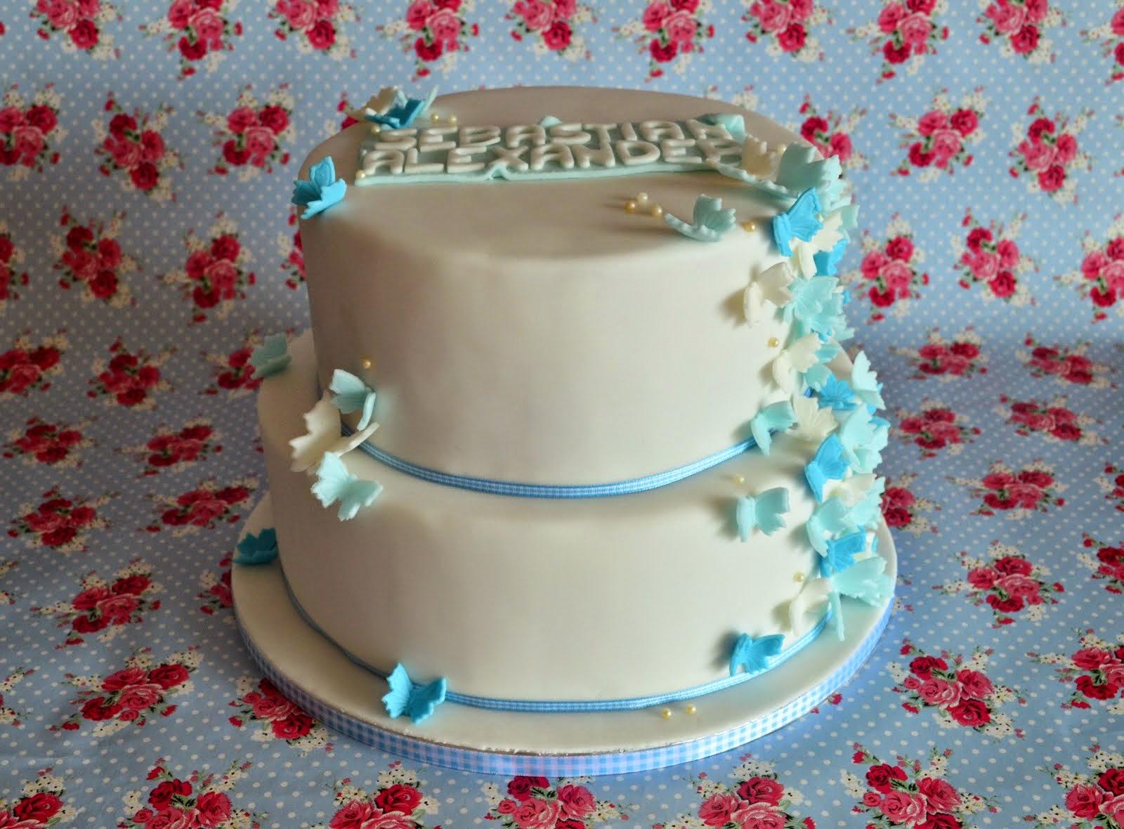 Torten Cupcakes By Sibl Tauftorte Mit Blauen Schmetterlingen