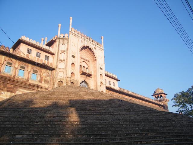 Diagonal view of Taj-Ul-Masajid download free wallpapers