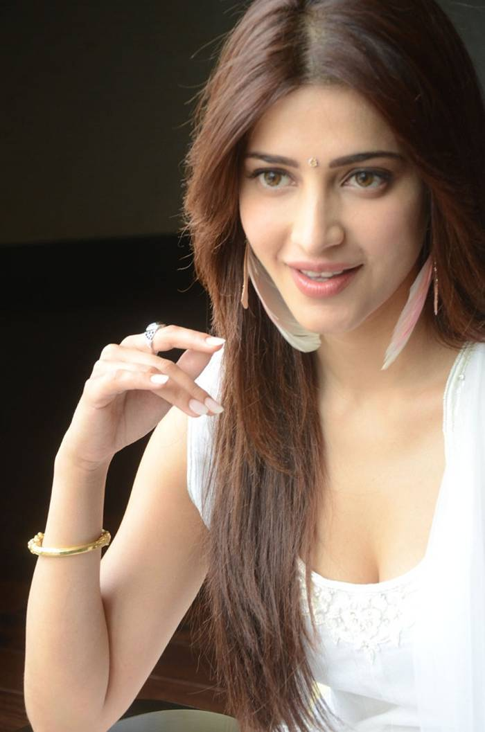 Shruti Hassan in White Dress Photoshoot