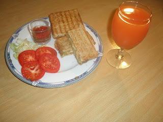 اعداد سندويشات للعشاء أو الاطفال في المدرسة شهية وسريعة التحضير بالصور