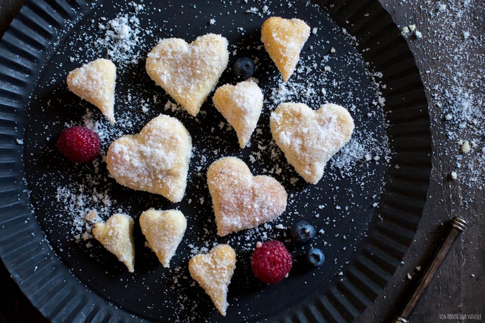 Berliner Pfannekuchen, Berliner, Puffel oder Krapfen krebbel herz backen valentinstag 14 februar