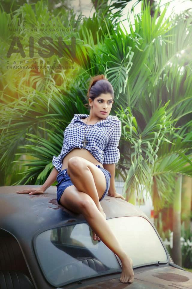 Sri Lankan Hot Models photo