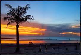 http://sunrise-holiday.blogspot.com/2013/10/wisata-pantai-kuta-bali-liburan-pulau.html