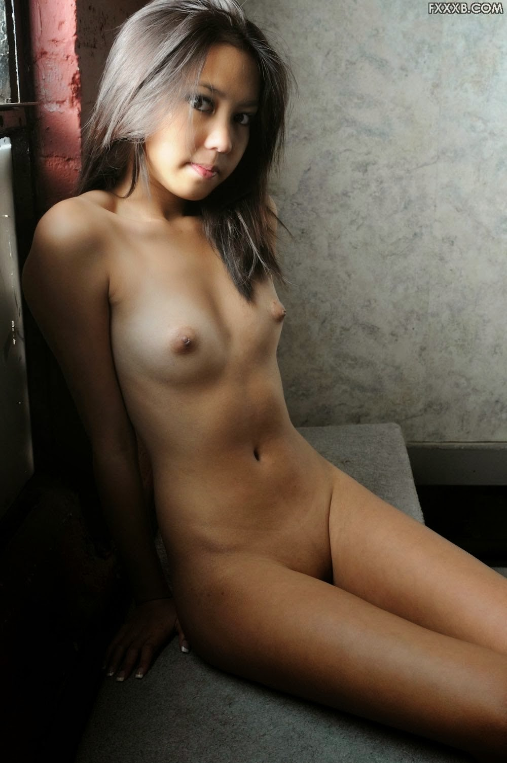 young pinay in nude