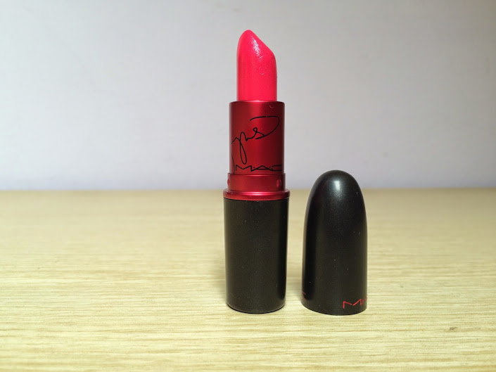 First Impressions: Mac Cosmetics Viva Glam Miley Cyrus Lipstick