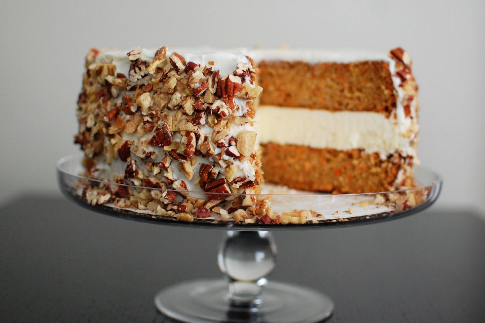 Since Easter Is Coming Up I Ve Been Seeing Carrot Cake Recipes All Over The Place And We All Know That Carrot Cake Goes So Well With Cream Cheese Frosting