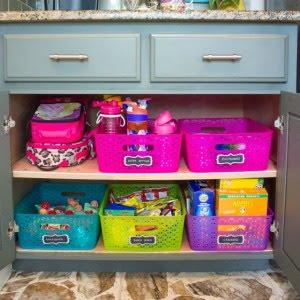 Make a School Lunch Cabinet!