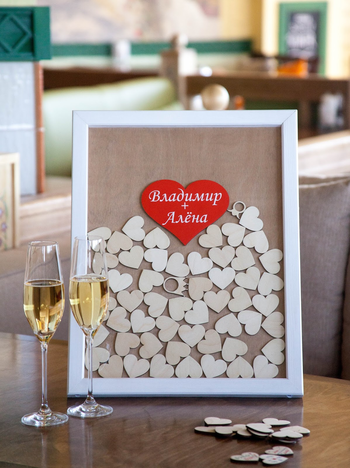 Подарки ко дню свадьбы коллеге