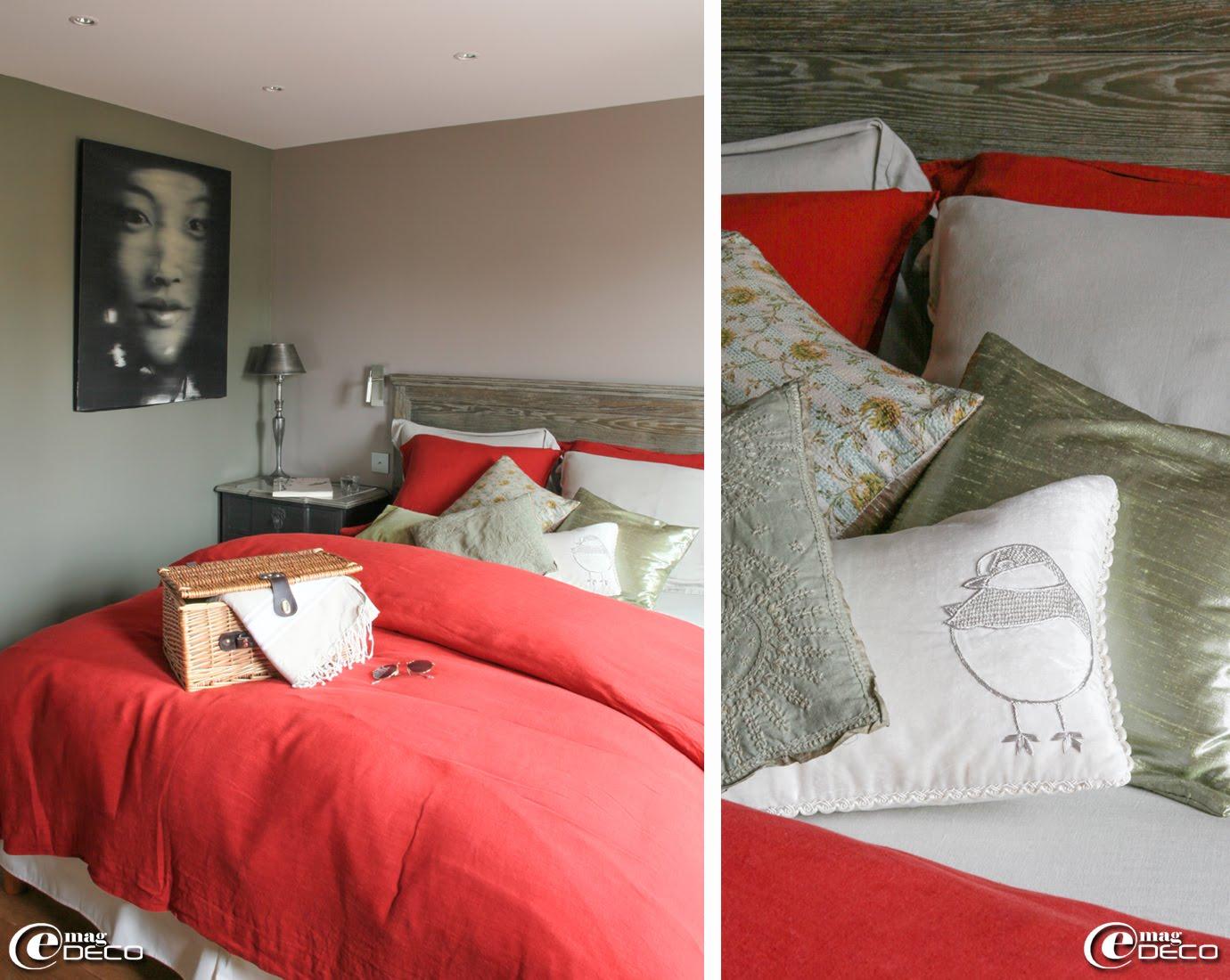 Dans une chambre de la maison d'hôtes 'Le Cottage', mobilier 'Blanc d'Ivoire' et toile de Philippe Brosse, coussins et linge de lit 'Le Monde Sauvage'