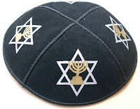 Papai tire a Kippah!