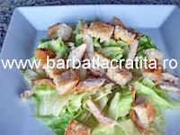Salata Caesar cu pui preparare reteta