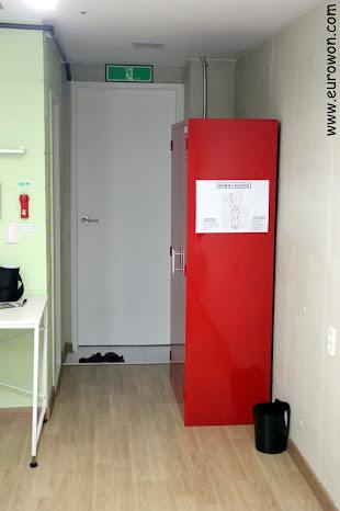 Mobiliario de una habitación del hotel Atelier