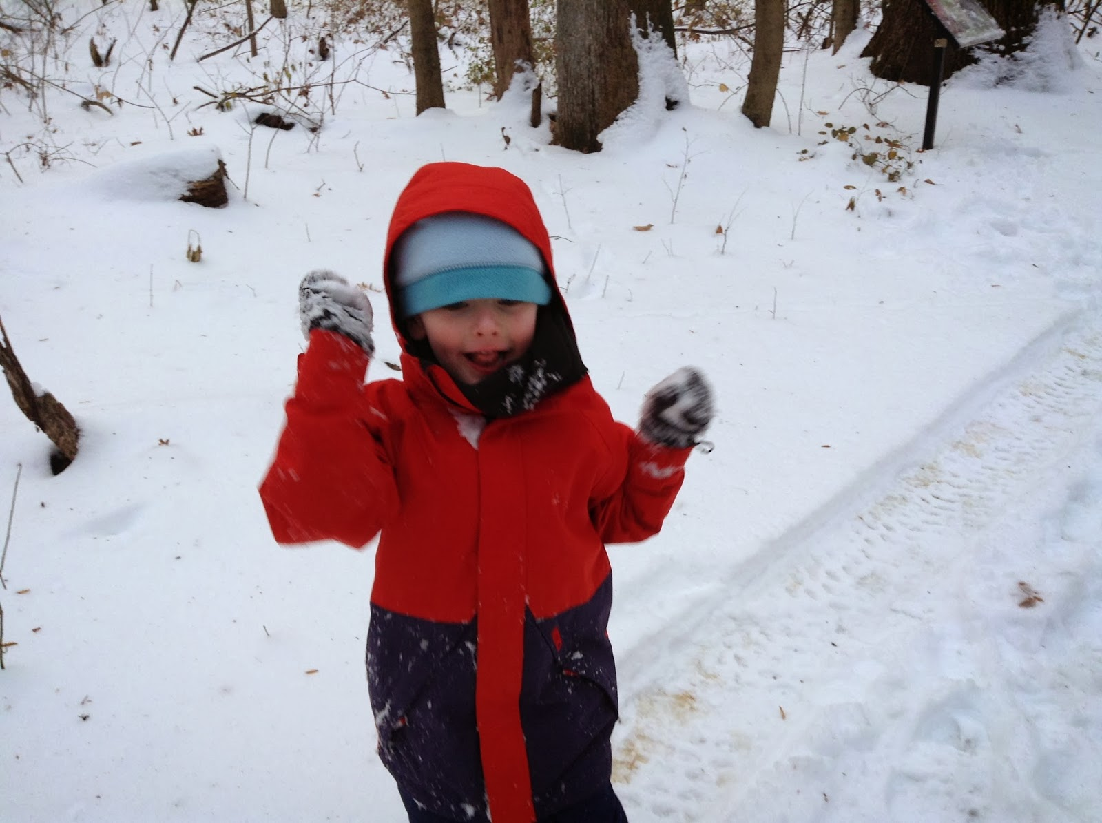 Safety tips for playing outdoors in the winter.
