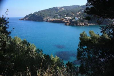 Turquoise blue water of La Costa Brava