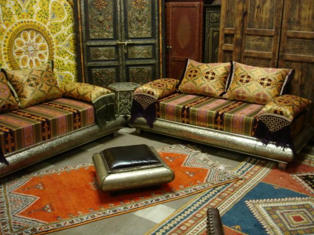 Home interior designs arabic living room design ideas for Arabic living room decoration