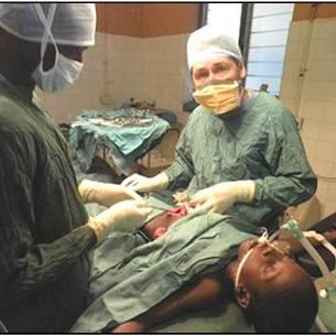 Cirujano cubano Dr. Yodelvis Marti