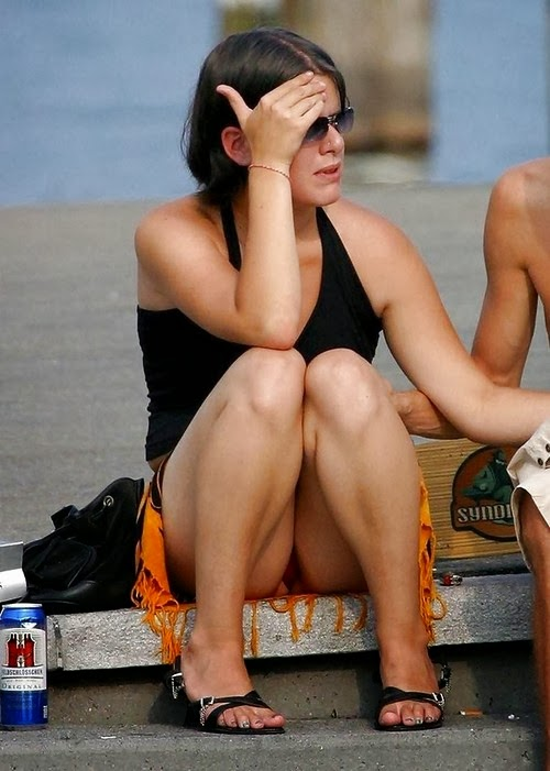 Upskirt Collection full of Amateur Voyeur and Celebrity