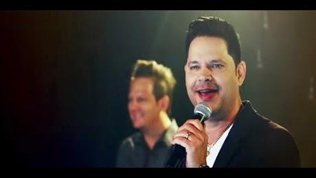 Videoclip De Rey Ruiz – Regalo HD