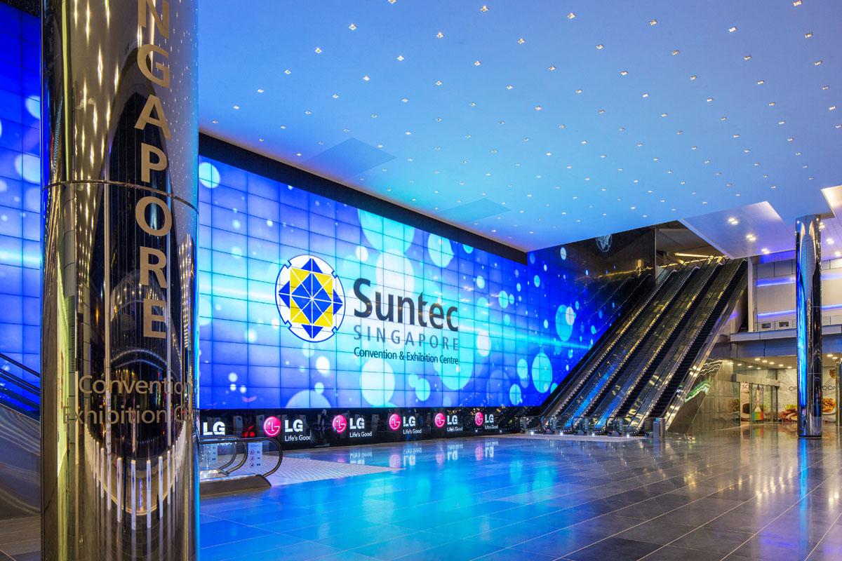 Kết quả hình ảnh cho Khám phá trung tâm thương mại Suntec City