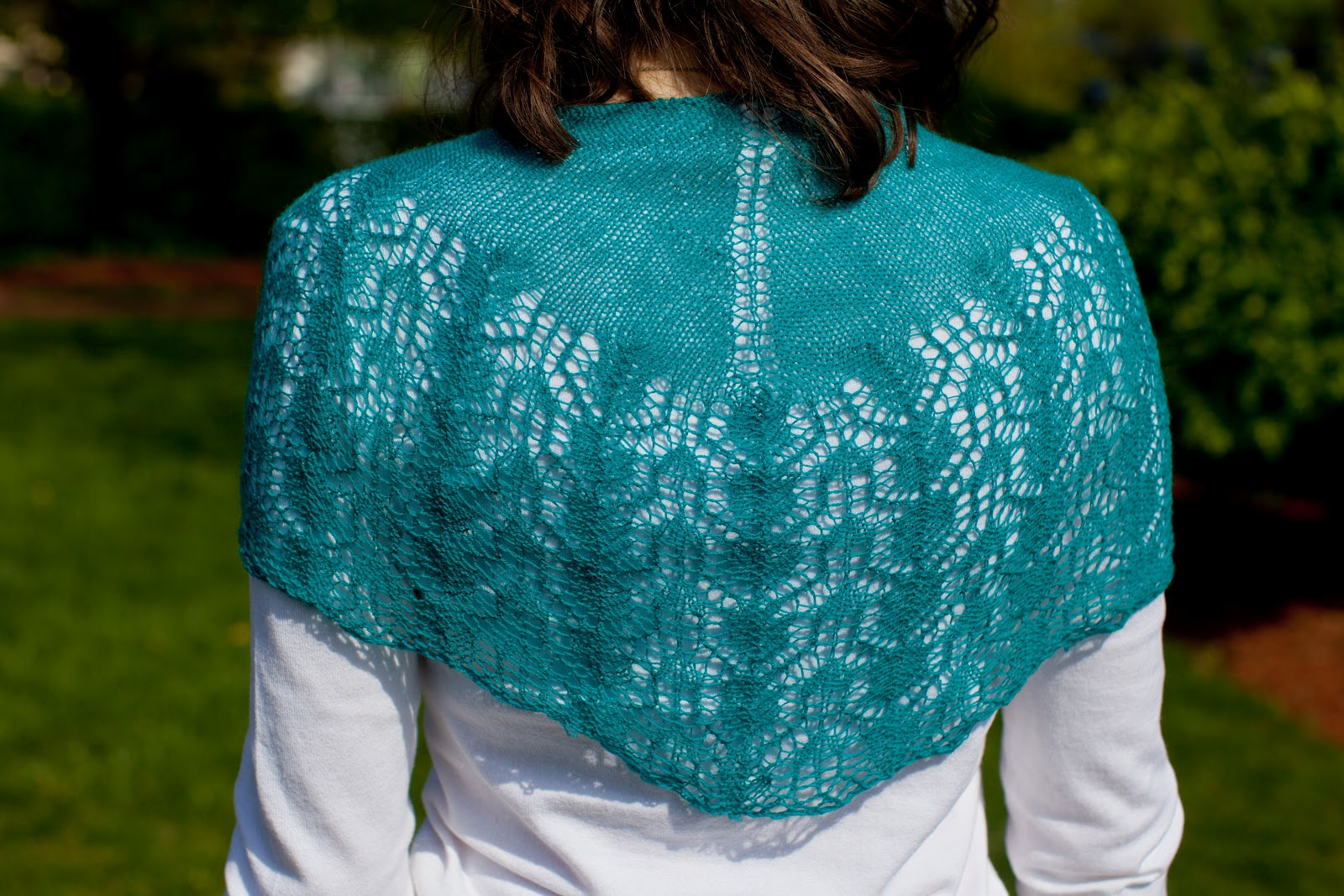 New pattern pine cone shawl mari knits the pattern is simple and easy to customize so what are you waiting for you know you need more lightweight shawlettes for spring and summer bankloansurffo Images