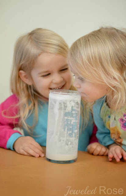 Make a snow storm in a jar- FUN Winter Science for Kids