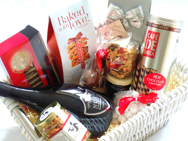 Spicers Of Hythe Valentines Hamper
