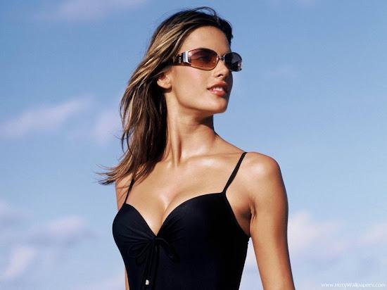 Alessandra Ambrosio Glamorous HD Wallpaper-1600x1200
