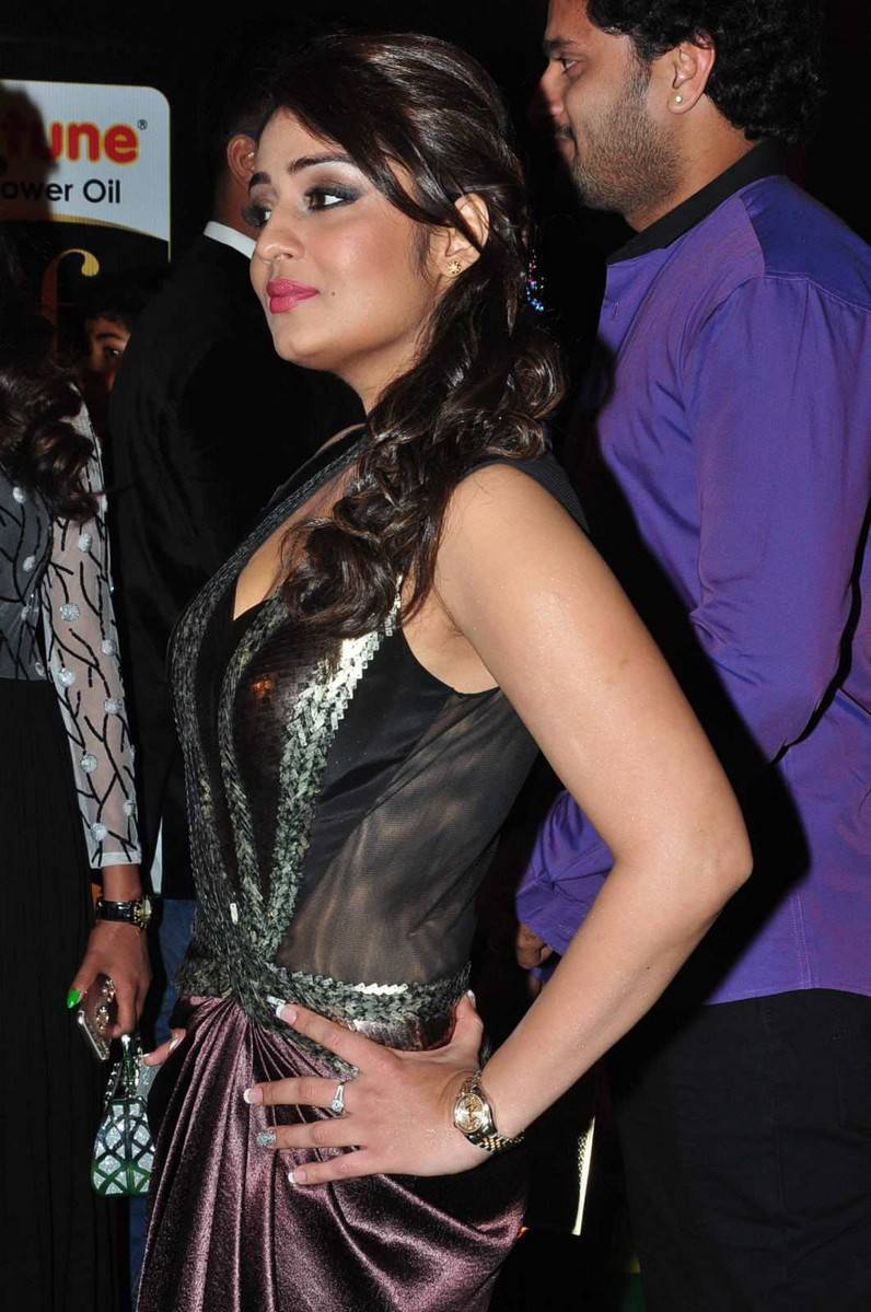 Nikita Thukral Hot Stills At IIFA Utsavam Awards 2016