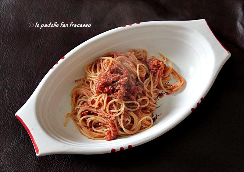 spaghetti al sugo di panocchie o cicale di mare