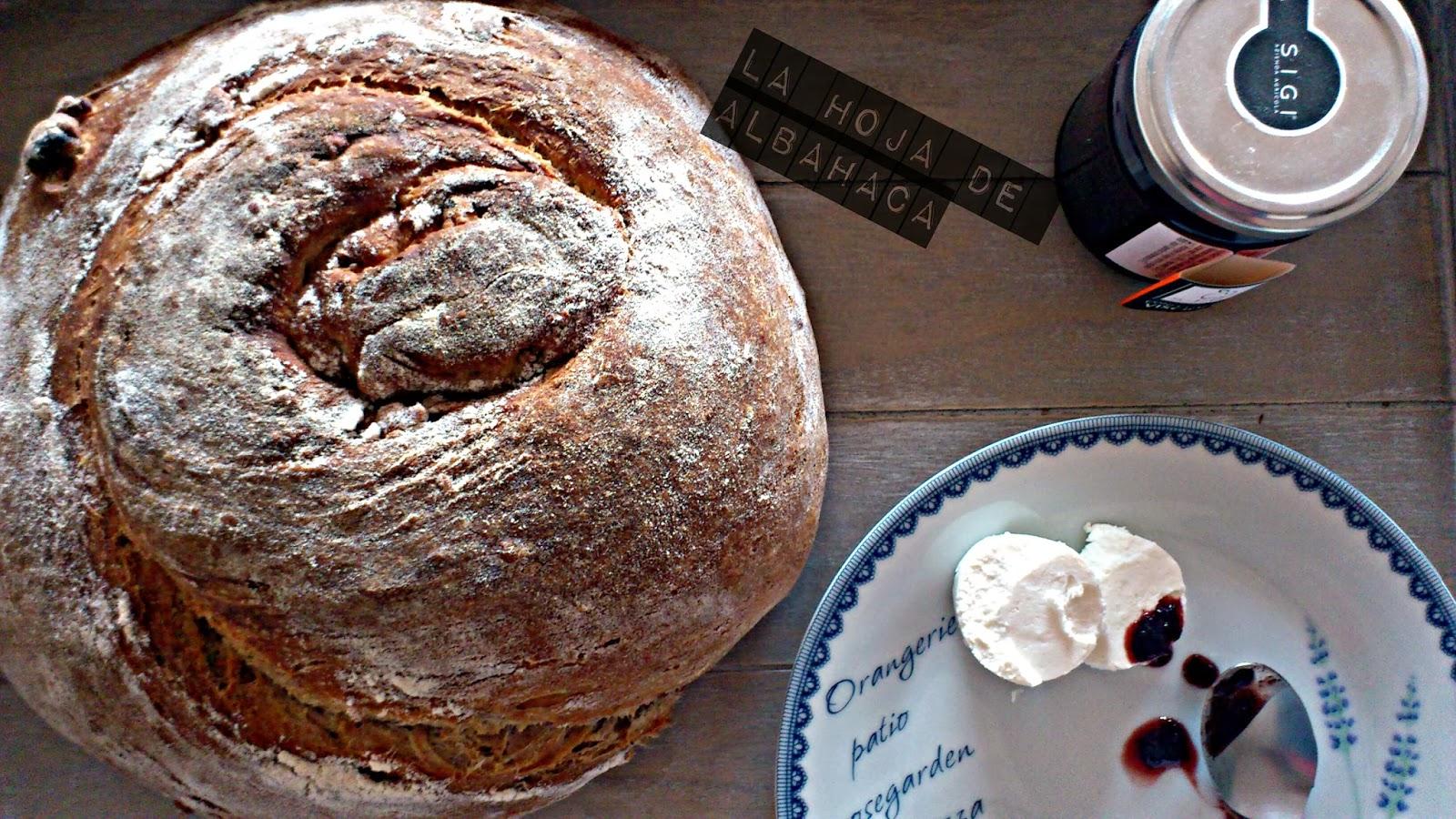 pan casero, pan de nueces, pan noix, quesos italianos