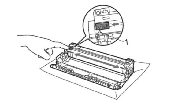 Pasang unit drum dan toner cartridge kembali mesin printer.