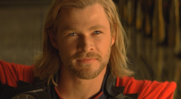 thor-photo-chris-hemsworth-looking1.jpg