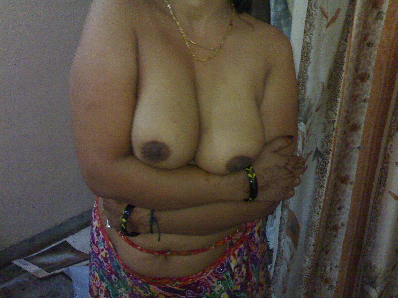 aunt strip