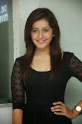 Rashi Kanna latest glam pics-thumbnail-8