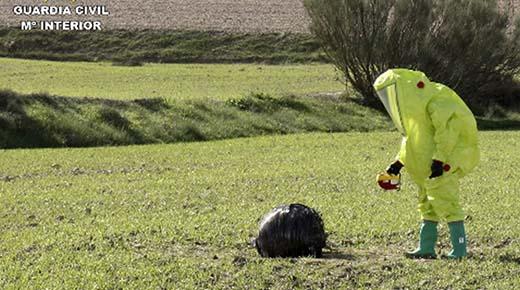 Misteriosas esferas caen del cielo en España, área es puesta en cuarentena