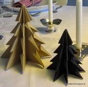 Foldede juletræer i pap