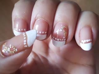 manicura francesa blanca