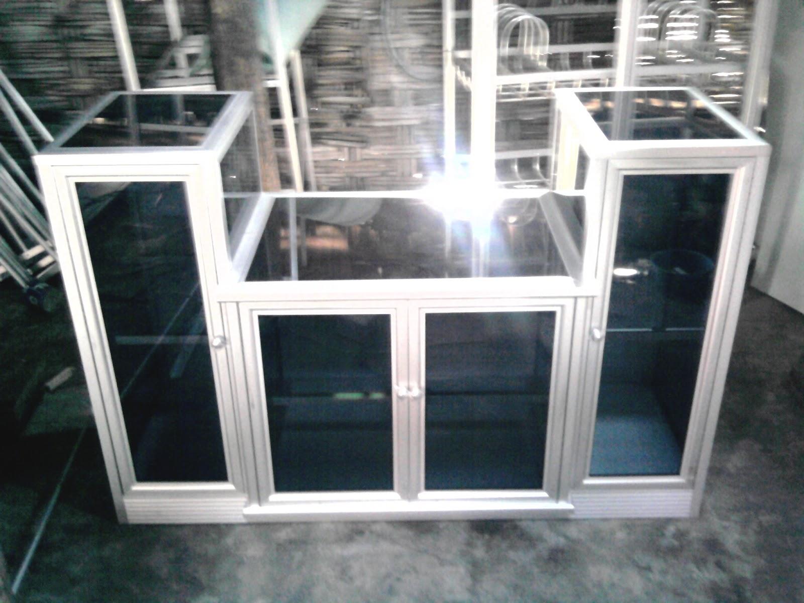 Foto lemari tv auto design tech for Lemari kitchen set aluminium