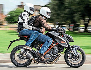 2015 KTM 1290 Super Duke R Pillion
