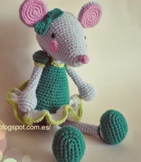 http://cricrochet.blogspot.com.es/2013/09/ratita-presumida.html