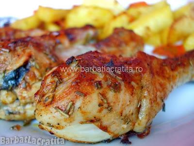 Ciocanele de pui marinate la cuptor cu cartofi