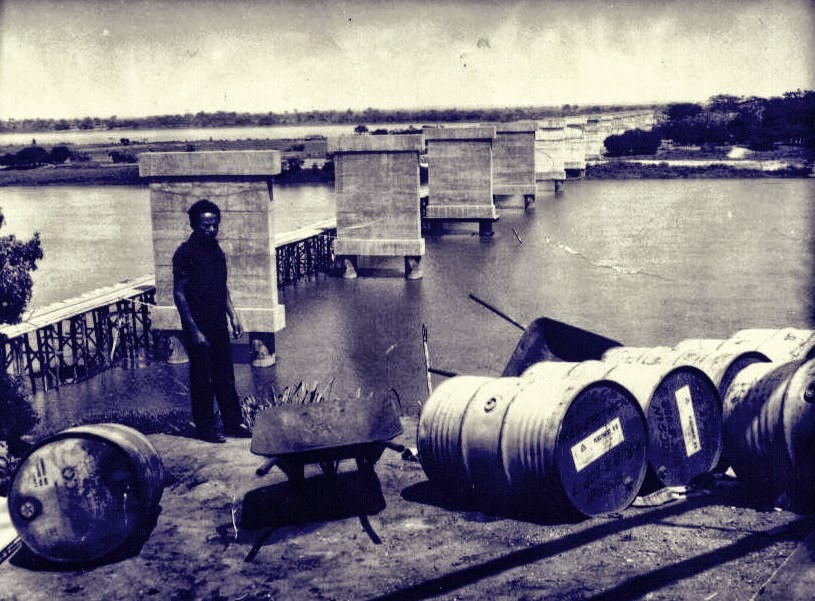 Obras da ponte no início dos anos 60