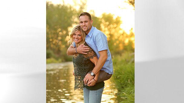 Foto de casal americano vira febre nas redes sociais.