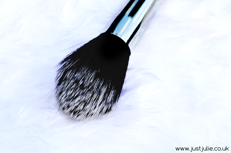 Zoeva Powder Brush