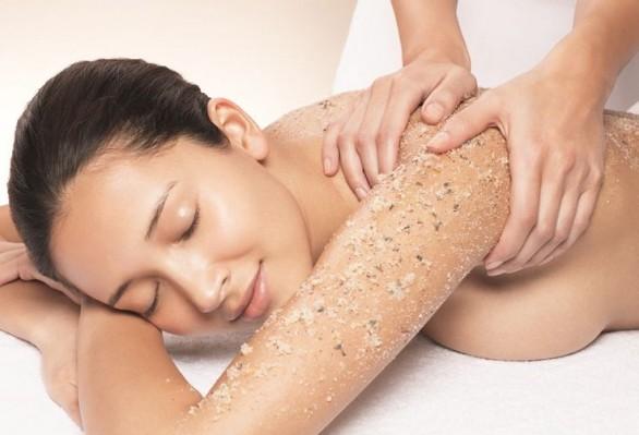 scrub corpo, scrub viso, come preparare uno scrub, ricette per creare uno scrub